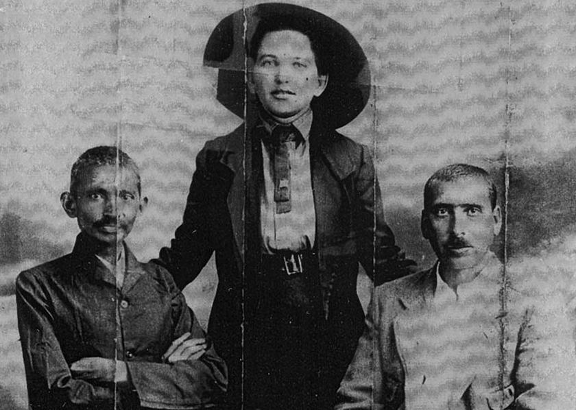 """מהטמה גנדהי והרמן קלנבאך ב""""חוות טולסטוי"""" בדרום אפריקה"""